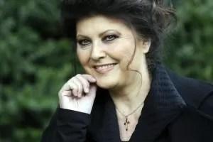 Claudia Mori Bio