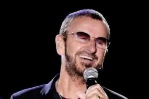 Ringo Starr col microfono