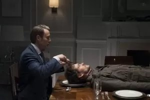 """""""Hannibal"""": il dottor Lecter in procinto di 'esaminare' il cervello di Will Graham"""
