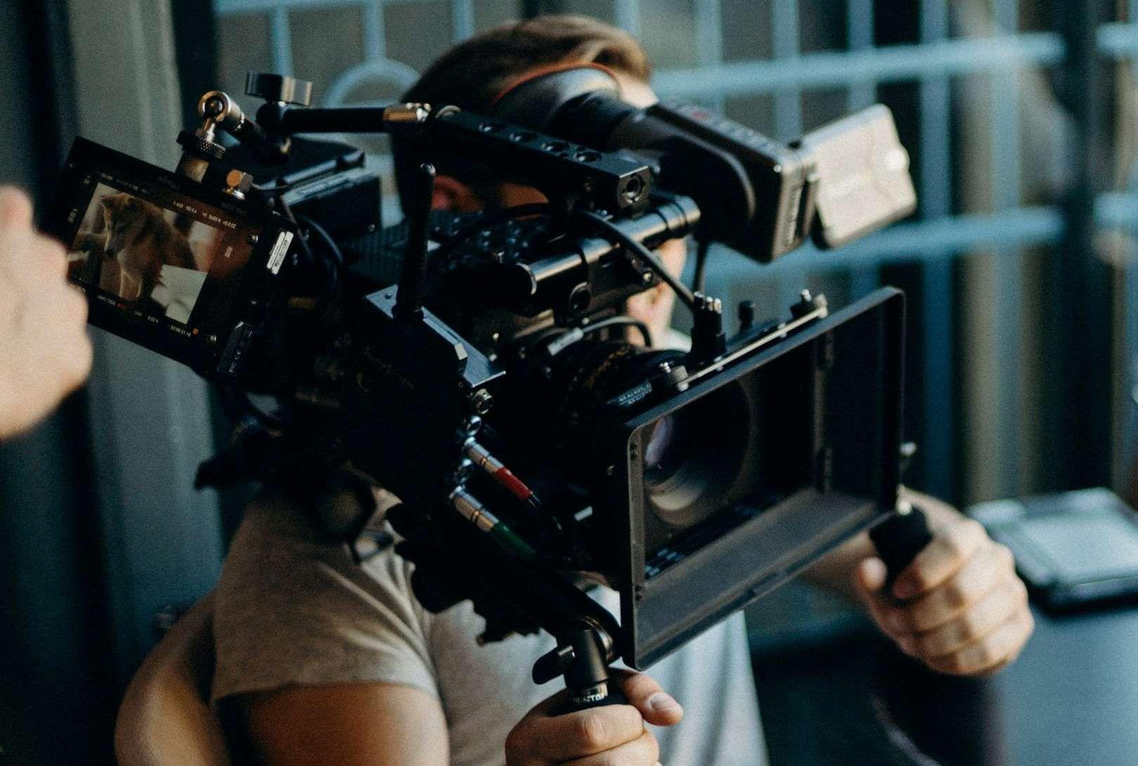 Risultato immagini per set cinematografico