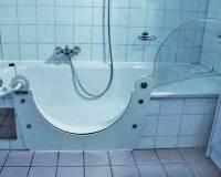 Tr in der Badewanne