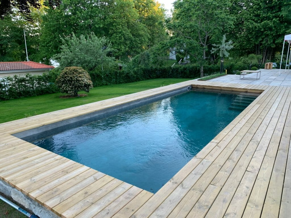 waterproof swimming pool with cementmix