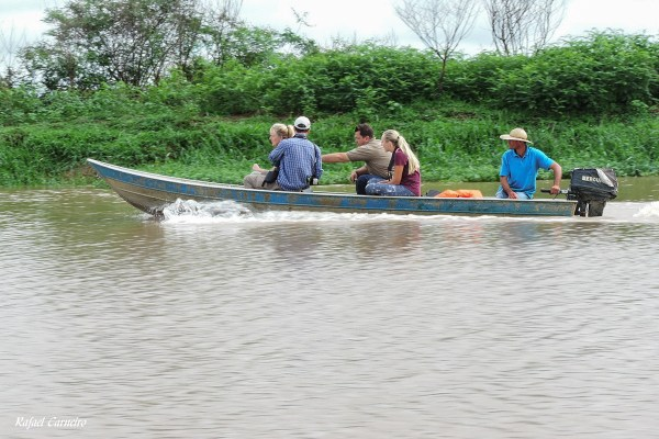 Navegando pelo rio Piracicaba para observação de aves. Foto: Rafael Carneiro.