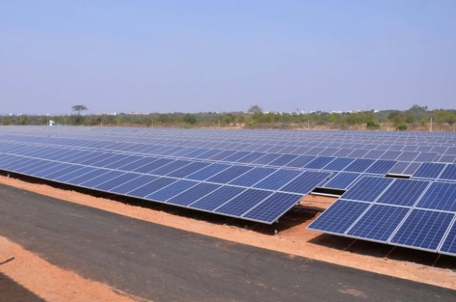 Solar-Powered-Airports-in-India-Hyderabad-International-Airport-Ltd-(GHIAL)