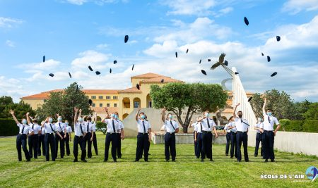 Cérémonie de remise de pucelles pour les équipiers de l'Escadrille Air-Jeunesse