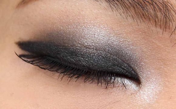 Accentuez vos paupières pour être tendance sur votre maquillage!