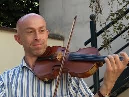 Jocelyn, professeur de violon, flûte à bec et flûte de pan