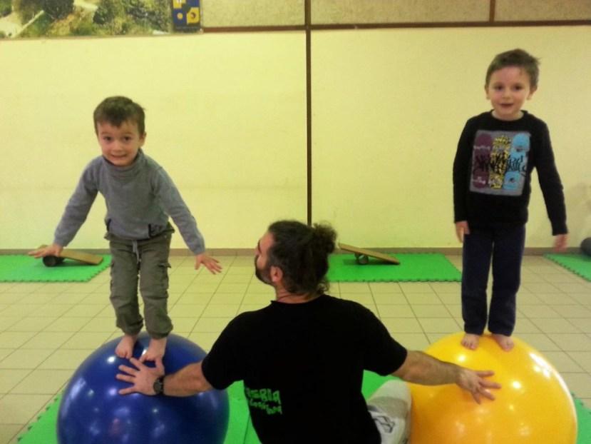 Ecole de Oytier St Oblas - Initiation au cirque