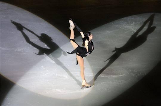 Le patinage artistique,   par Marika