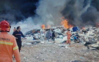 Incendio el Vertedero propiedad Girsa – Pedralba – Valencia