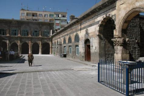 Diyarbakir,varcare una frontiera che non c'è