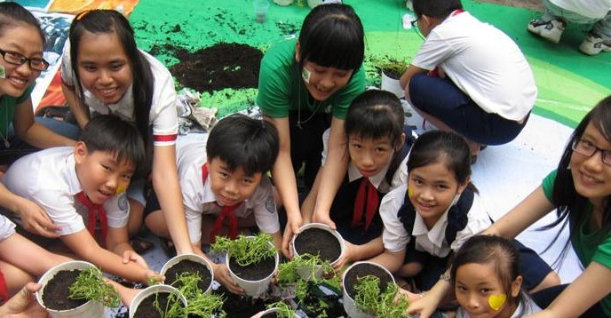 Using environmental issues in student learning shows children the bigger picture