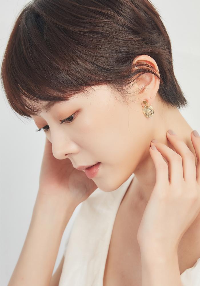 韓國矽膠夾耳環。女孩喜歡的最新款式都在這!