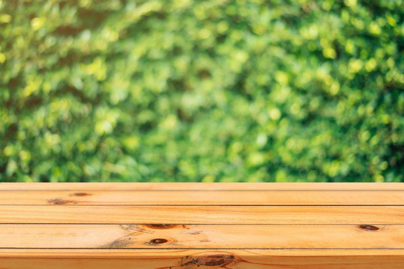 7 etapes pour entretenir une table en bois