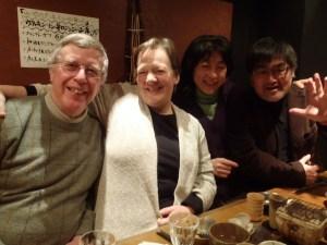 歓迎会を近所の居酒屋で。日本酒、おいしかったそうです。右端は、企画検討委員の一人くりこま自然学校の佐々木豊志さん。