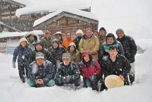 みんなで記念写真。ものすごい雪で顔も見得なくなる時がありました。