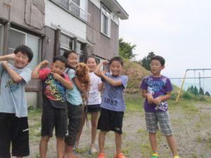 子どもたちが集落センターに遊びにきてくれました。