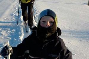 ノルウェーの子どもたちは、雪の中で過ごす体験をするそうです。