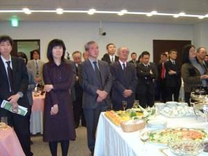 集まった人々は、損保ジャパン関係者のみならず政治、行政、企業、市民など多くの分野にまたがり北村さんの活動範囲の広さを示していました。