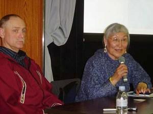 マイク・マーツさん(左)とダチュックさん