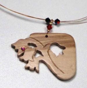 bijou muguet en bois de charme par Blue Baobab