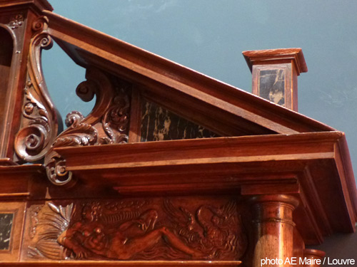 buffet XVI fronton interrompu Louvre