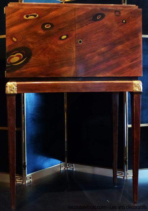 ecoute le bois blog sensoriel et amoureux du bois cadeaux d co histoires et plaisirs. Black Bedroom Furniture Sets. Home Design Ideas