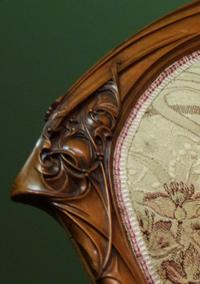 détail sculpture siège art-nouveau ecoutelebois