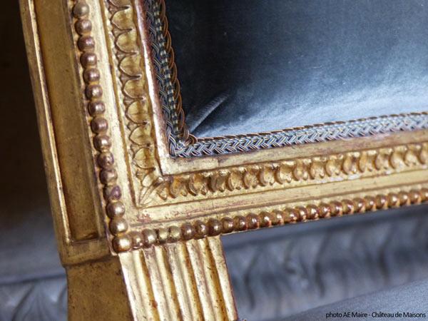 frise de perles sur siège Louis XVI ecoutelebois
