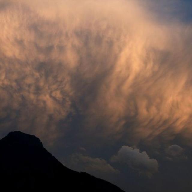 Lumière d'orage sur le massif des Aiguillons - © MG Nicolas - Parc national des Écrins