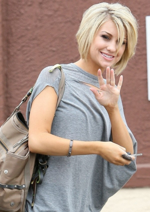 Short blonde hair with blunt ends 30