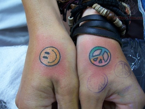 40 Cute And Attractive Small Hand Tattoo Designs That Will