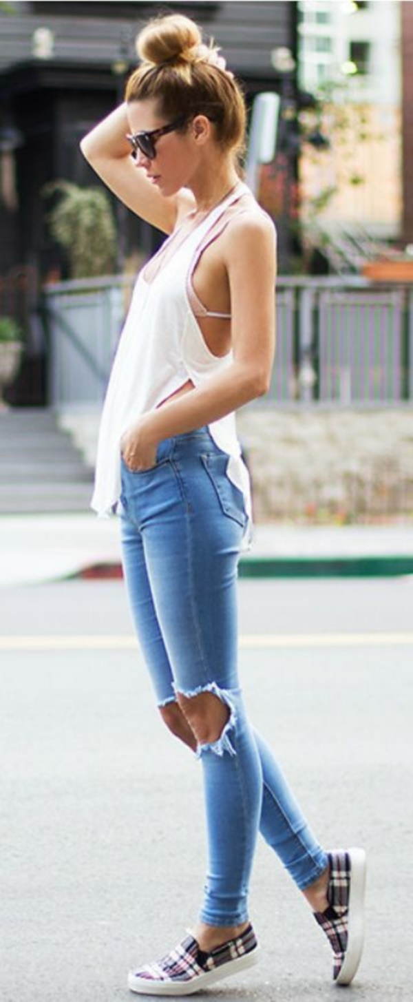 perfect ripped jeans simple outfits 8