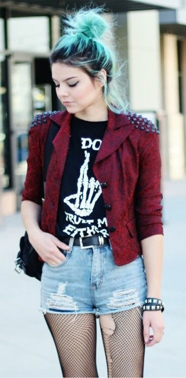 18 Awesome Grunge Outfits Ideas For Women To Try This