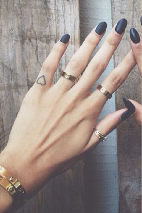 40 amazing finger tattoo for women you 39 ll love ecstasycoffee for Finger tattoos fade