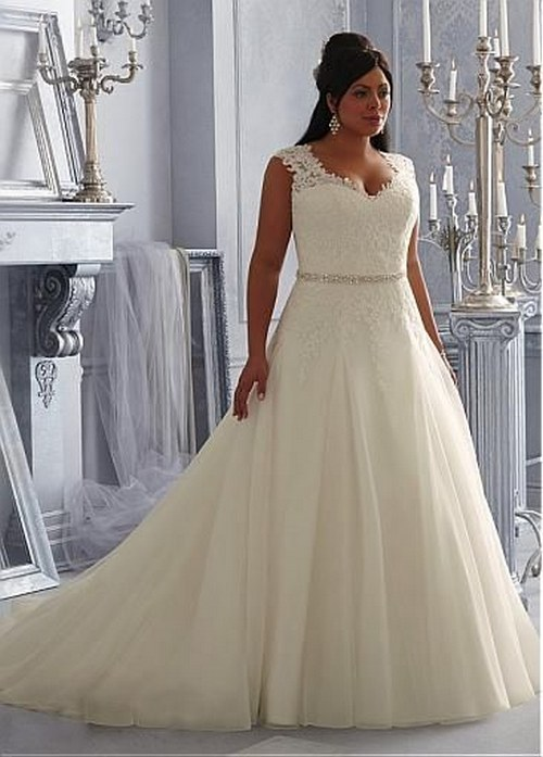 16 gorgeous wedding dresses that are perfect for curvy for Wedding dresses for curvy figures