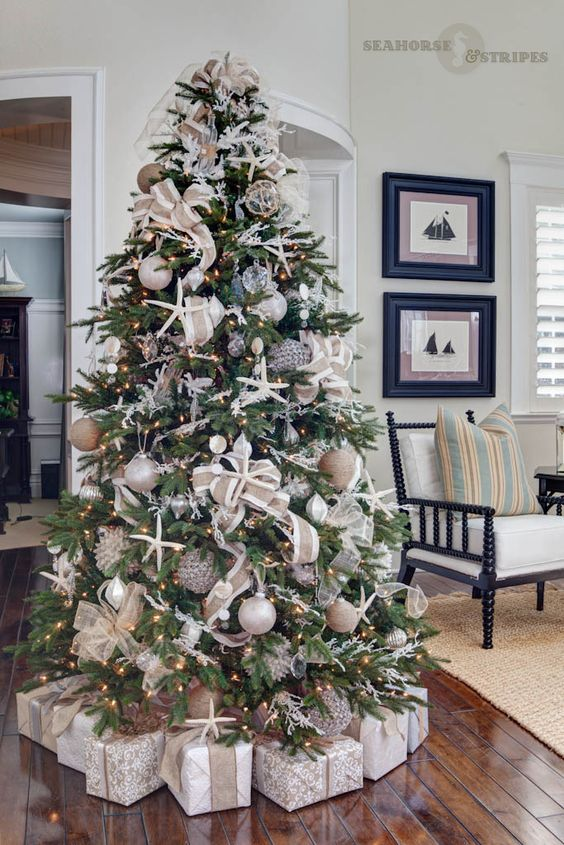 coastal chic designer christmas tree - How To Decorate A Designer Christmas Tree