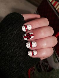 60 Awesome Christmas Nail Art Designs