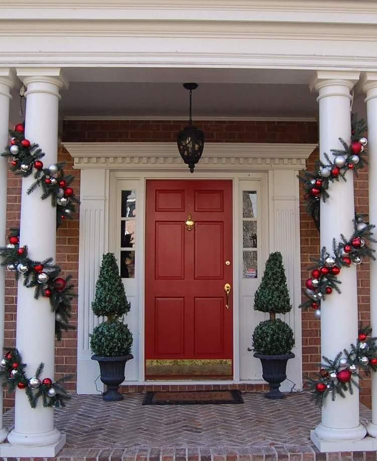 38 Amazing Christmas Porch Decor Ideas