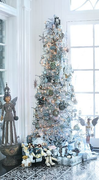 37 Awesome Silver And White Christmas Tree Decorating