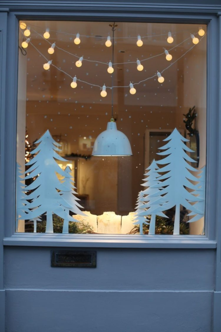 Christmas Window.43 Elegant Christmas Window Decor Ideas