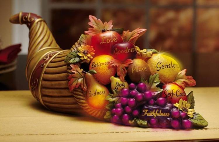 cornucopia as traditional thanksgiving centerpieces ideas - Thanksgiving Centerpieces Ideas
