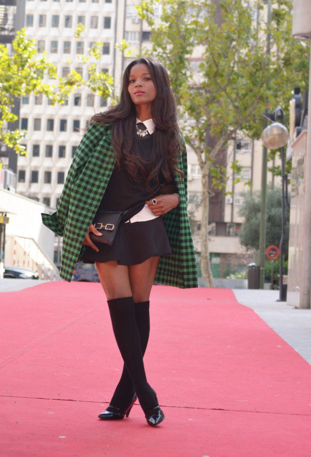 40 Stylish Fall Outfit Ideas With Over The Knee Socks