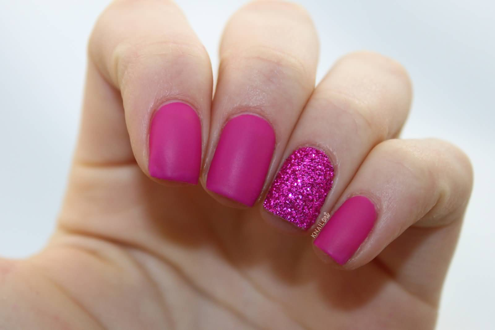 incredible glitter accent nail