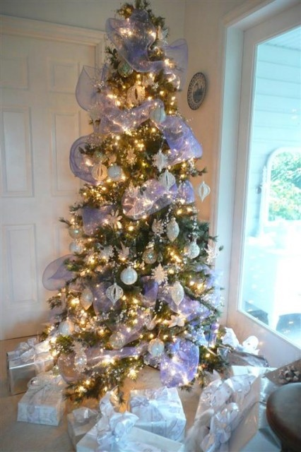 White Christmas Tree Design.37 Awesome Silver And White Christmas Tree Decorating Ideas