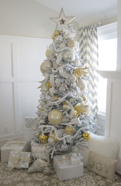 ... snowy-spruce-flocked-christmas-tree ... & 37 Awesome Silver And White Christmas Tree Decorating Ideas ...