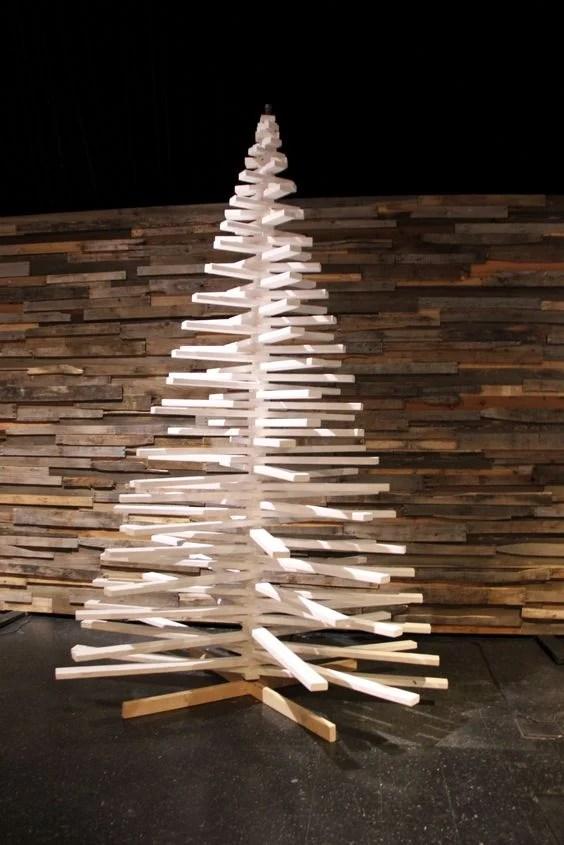 40+ Top Modern Wooden Christmas Trees For Backyard