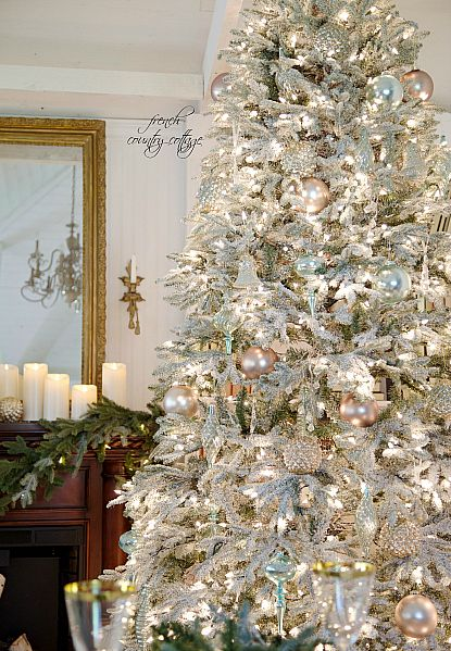 ... flocked-christmas-tree ... & 37 Awesome Silver And White Christmas Tree Decorating Ideas ...