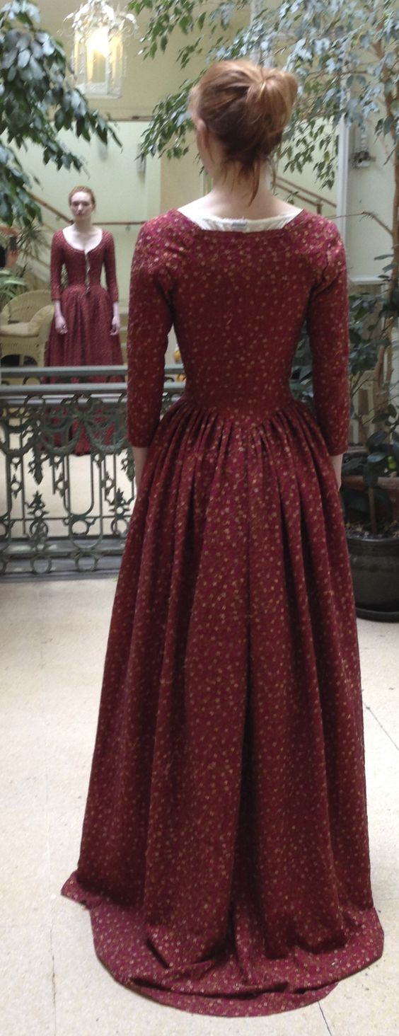 30 beautiful christmas gowns for chic women