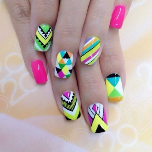 unbelievably cool abstract nail